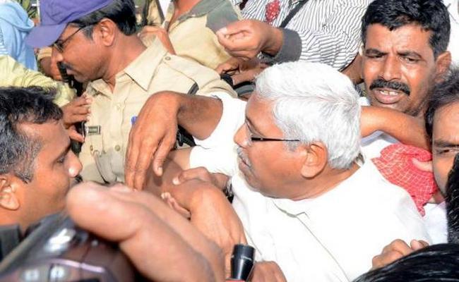 Kodandaram Arrest Protest Against Uranium Mining At Achampet In Nagarkurnool District - Sakshi