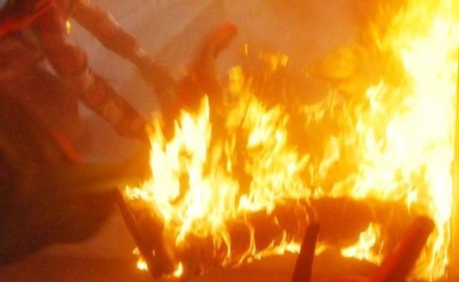 Wife Killed Husband in Tamil Nadu - Sakshi
