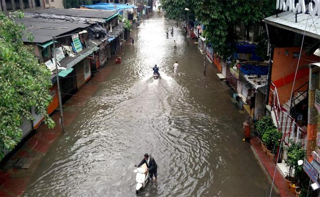Heavy Rains In Mumbai - Sakshi