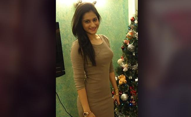 Actress Allegedly Jumps To Death From Mumbai Apartment Terrace - Sakshi
