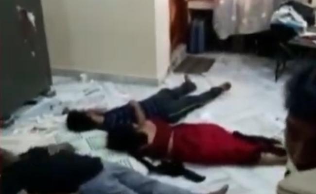 Orthopedic Doctor Family Commits Suicide In Amalapuram In East Godavari - Sakshi