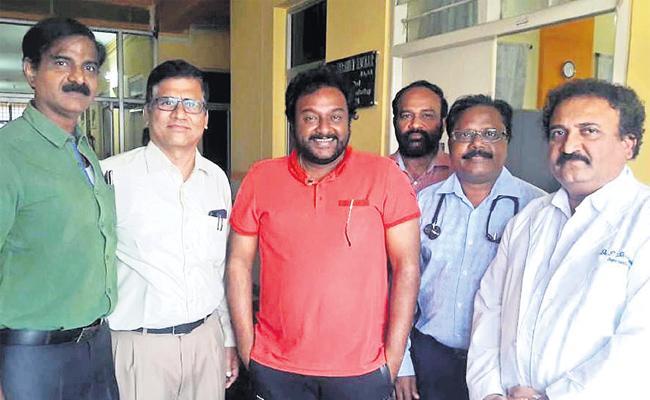 VV Vinayak Visit Gandhi Hospital - Sakshi