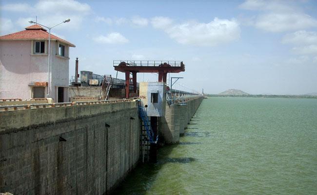 KCR Said Godavari Water Give To Palamuru Project - Sakshi