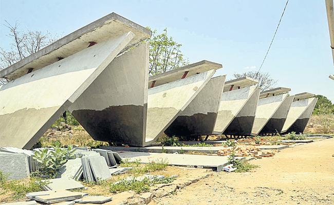 Maha Prasthanam Pending in Punjagutta Hyderabad - Sakshi