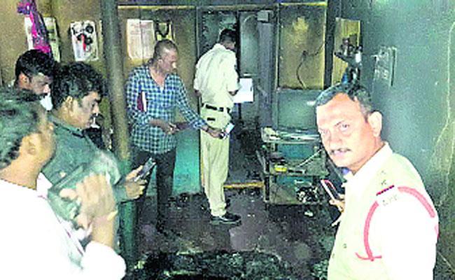 Murder Case In Chittoor District Over Home Fire - Sakshi
