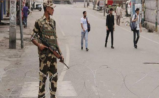 Madabhushi Sridhar Writes Jammu And Kashmir Press Freedom Issue - Sakshi
