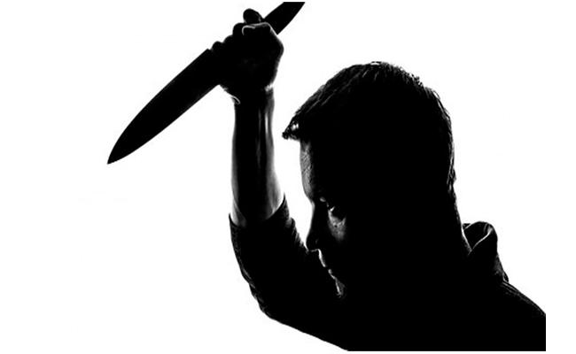 Man Allegedly Kills Young Man Due To Love Affairs In Tamil Nadu - Sakshi