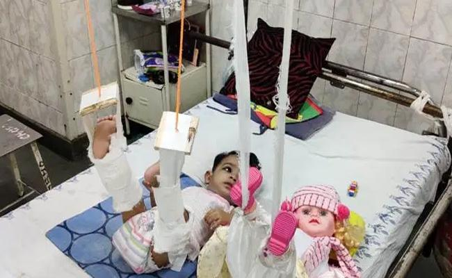 Doctors Used Doll To Treat 11 Month Old Baby In Delhi - Sakshi