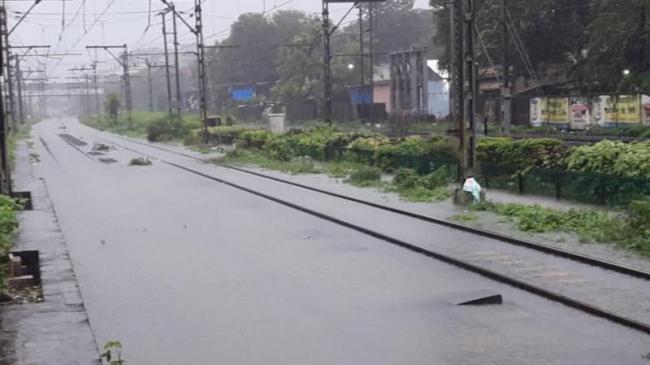 IMD warned of more Heavy To Very Heavy Falls In Mumbai - Sakshi