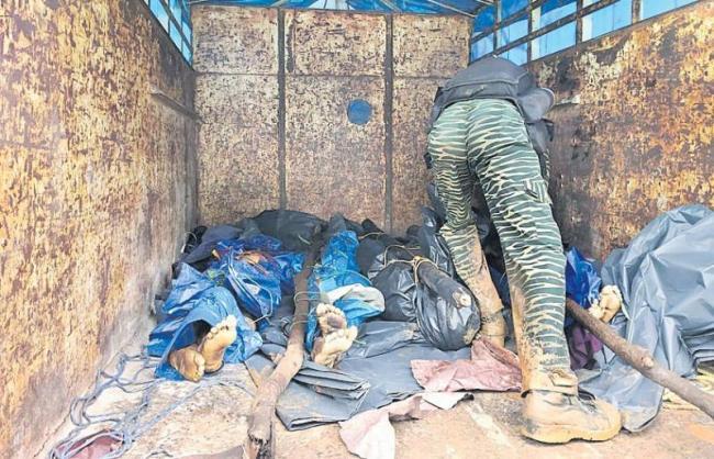 seven maoists killed in chhattisgarh encounter - Sakshi