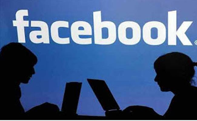 Man Fraud Two Lakh From Women From FaceBook Contact - Sakshi