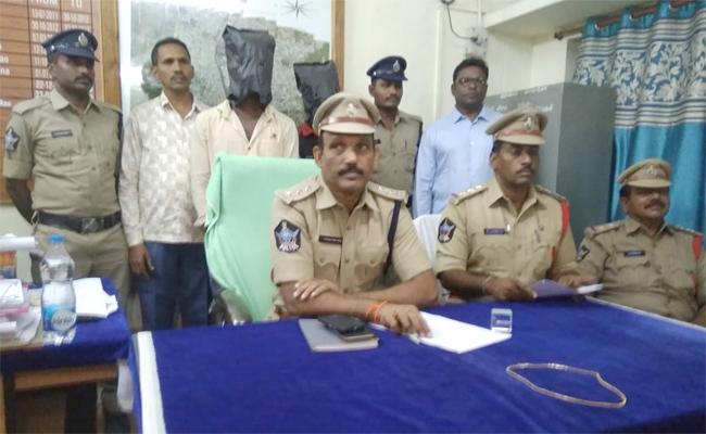 Two Men Arrested For Burglary And Sexual Assault In Cheerala - Sakshi