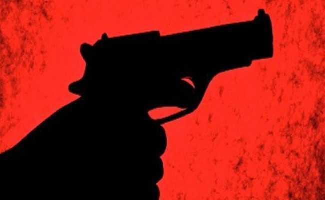 AR Constable gun Founded In Kovvur - Sakshi