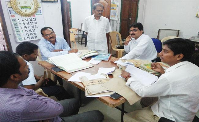 Vigilance Attack In Arasavalli Temple Srikakulam - Sakshi