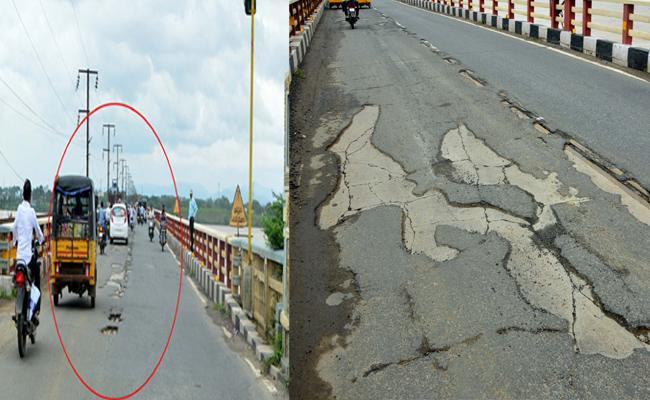 Bhadracham Across bridge Godavari In Bad Shape In Khammam - Sakshi