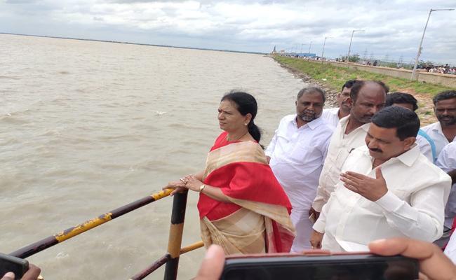 DK Aruna Slams On CM KCR Over Irrigation Projects In Mahabubnagar - Sakshi