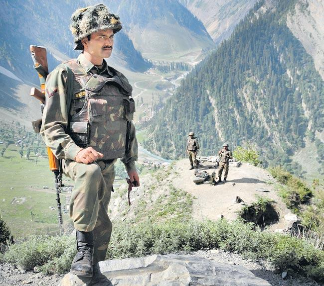 Article 370: Tight security in J&K, forces put on high alert - Sakshi