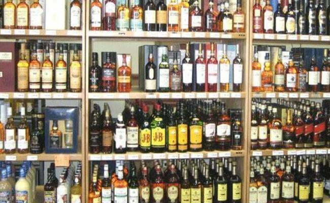 Permit Rooms Of Liquor Stores Will Cancelled In Vizianagaram - Sakshi
