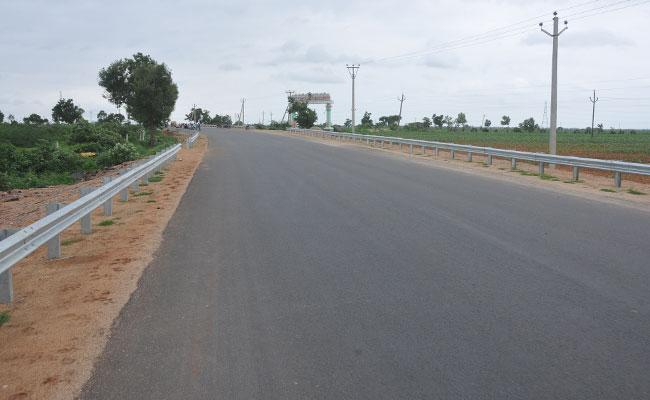 Killer National High ways in Khammam - Sakshi