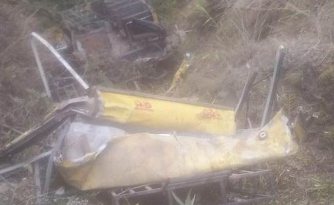 8 Children killed In Uttarakhand Van Falls Into Gorge - Sakshi