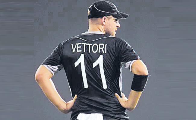 NZC Retires Daniel Vettori Jersey - Sakshi