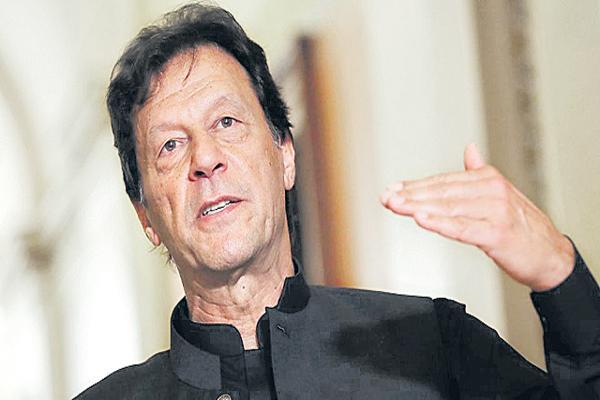 Pak PM Imran Khan gives warning - Sakshi