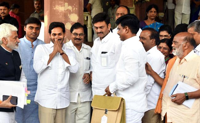 AP CM Jagan Visiting Pulivendula Cancelled Due To Busy Schedule - Sakshi
