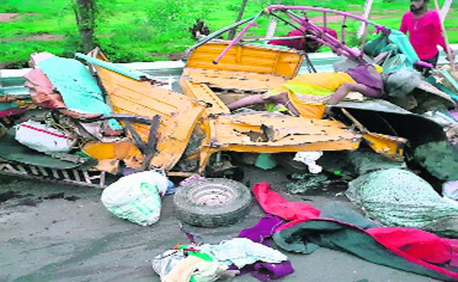 Road Accidents Due To Drivers Negligence In Mahabubanagar - Sakshi