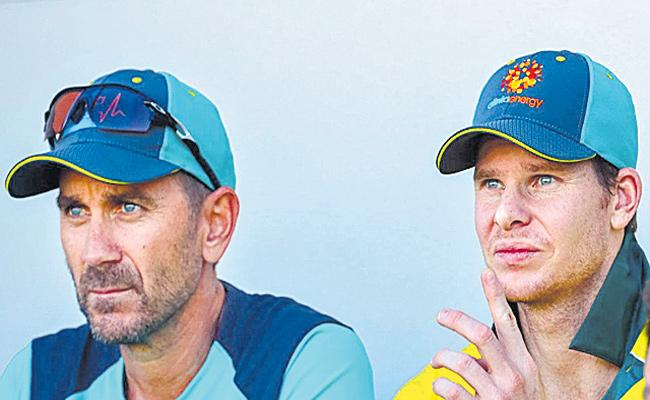 Justin Langer Prices Steve smith - Sakshi