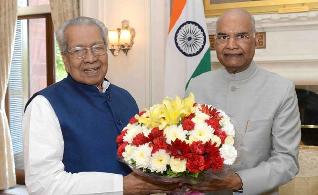 Andhra Pradesh Governor Biswa Bhushan Meets President In Delhi - Sakshi
