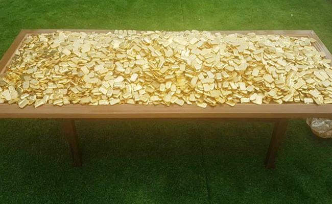 IMA Scam 300 kg Gold Bars Found Hidden Under Swimming Pool Karnataka - Sakshi