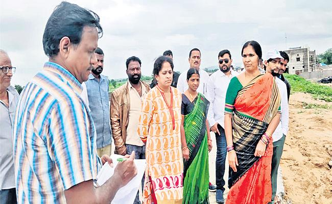 MLA Padma Devender Reddy Unhappy Over Development Works And Asked Not To Waste Public Money - Sakshi