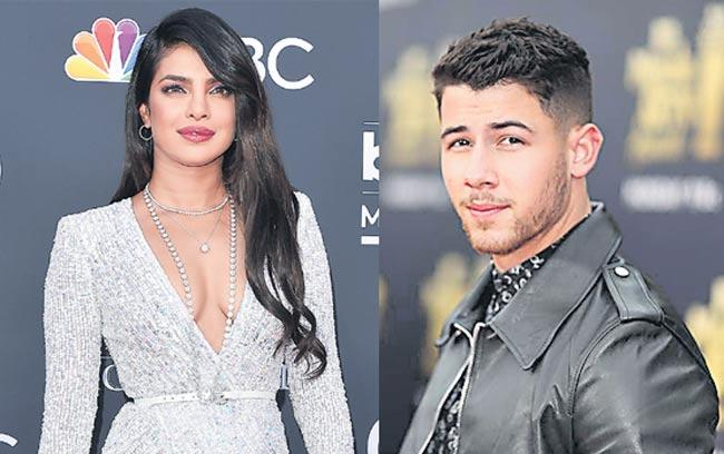 Priyanka and Nick are looking for a new home, the budget is 140 crores - Sakshi