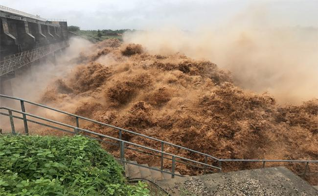 Flood Threat Looms Over Srikakulam - Sakshi
