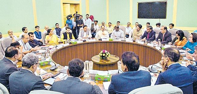 India Inc wants Rs 1 lakh cr stimulus package - Sakshi
