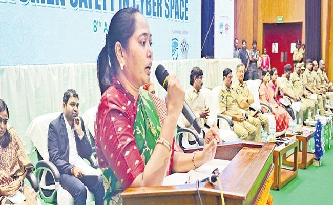 Mekathoti Sucharitha Starts Mahila Mitra - Sakshi