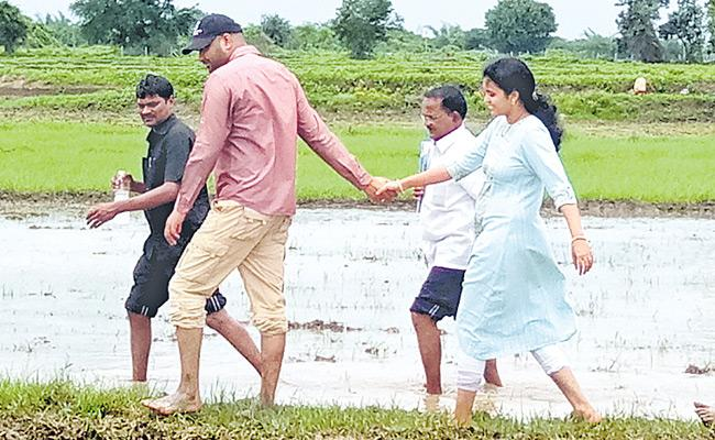 Khammam Collector RV Karnan in fields with Wife Priyanka - Sakshi