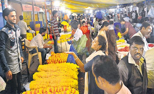 Hyderabad People Celebrating Sravana Masam - Sakshi