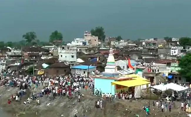 Traditional Stone Festival In Chhindwara District Madya Pradesh - Sakshi