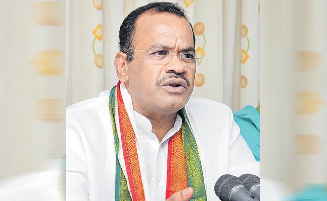 Komatireddy Venkat Reddy Comments Over Etela Rajender Issue In TRS Party - Sakshi