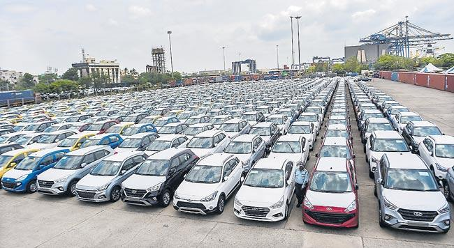 Monthly passenger vehicle sales log worst-ever drop in August - Sakshi