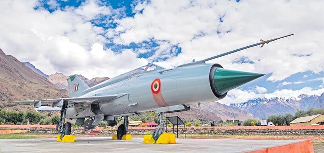India To Spend A Whopping USD 130 Billion For Military Modernisation - Sakshi