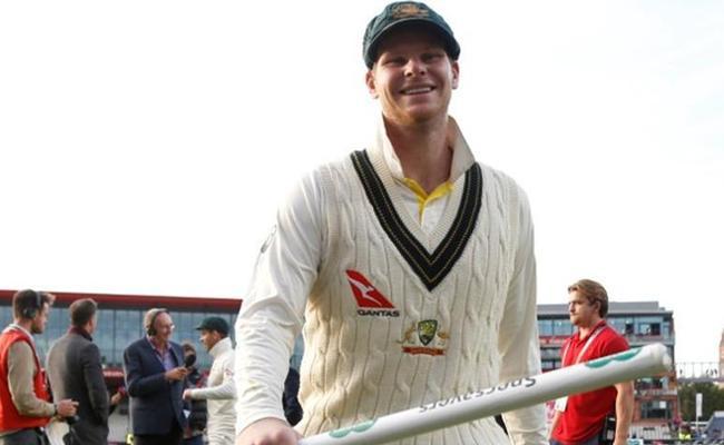 Smith Surpasses Kohli In Illustrious Test List - Sakshi