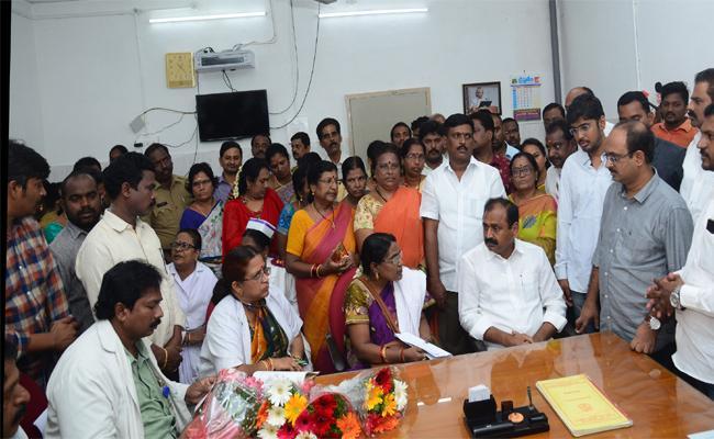 MLA Bhumana karunakar Reddy Visits RUSA Hospital In Chittoor - Sakshi