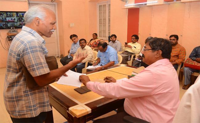 Spandana Event In Vijayawada Collectorate - Sakshi
