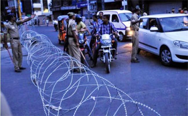 Traffic Restrictions in Old City Hyderabad - Sakshi