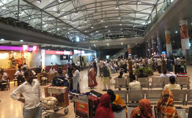 Significant passenger growth in Shamshabad Airport - Sakshi
