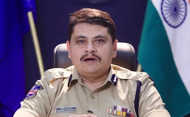 Mahesh Bhagwat Gives Details About Kushaiguda Theft Case - Sakshi