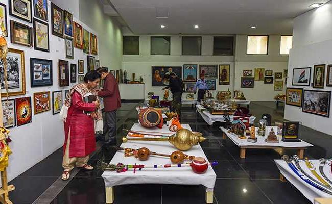 Gifts Received By Modi To Be Auctioned - Sakshi