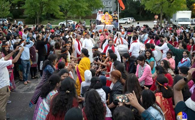 Ganesh Immersion Ceremony At Chicago - Sakshi